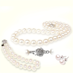 Picture of Classic White Freshwater Pearls Tri Set